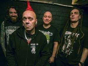 Legendární punkeři Exploited se objeví v malém klubu v Praze
