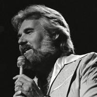 Zemřela country ikona Kenny Rogers. Zpěvákův hit přezpíval i Pavel Bobek