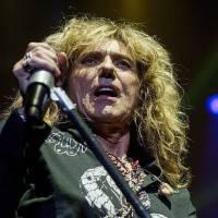 Whitesnake ruší turné, David Coverdale jde na operaci