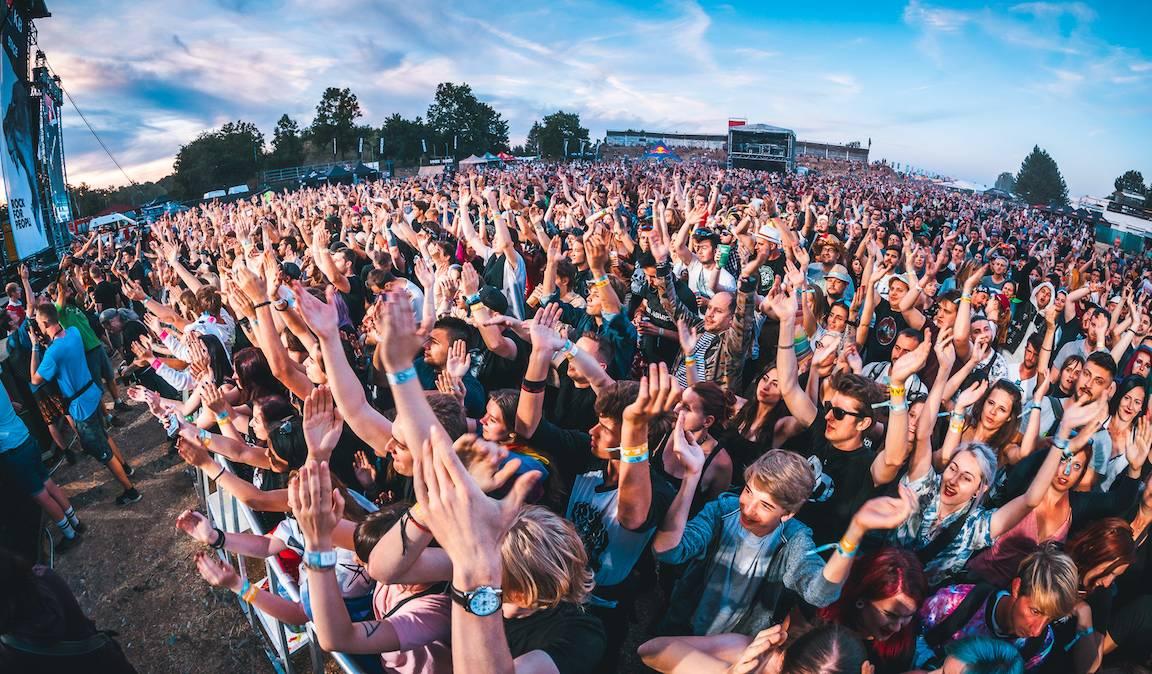 Vyprodaný Rock for People letos nebude, festival se přesouvá na příští rok