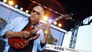 Carlos Santana truchlí. Zemřel jeho mladší bratr Jorge, rovněž úspěšný kytarista