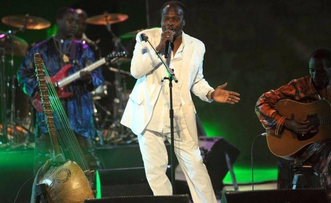 Zemřel Mory Kanté. Legendě africké hudby a autorovi hitu Yeke Yeke bylo 70 let