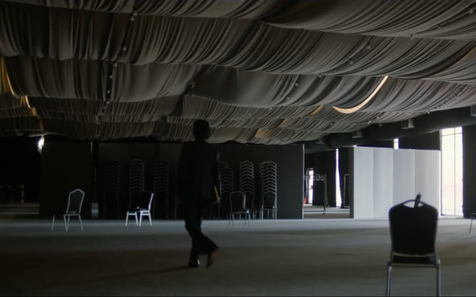 Nick Cave odhalí skrytou podstatu svých písní. Koncertní záznam Idiot Prayer vstoupí do kin v listopadu