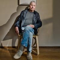 Zemřel abstraktní malíř uvězněný v těle muzikanta. Harold Budd byl průkopníkem ambientu, spolupracoval s producentem U2, Boba Dylana a dalšími