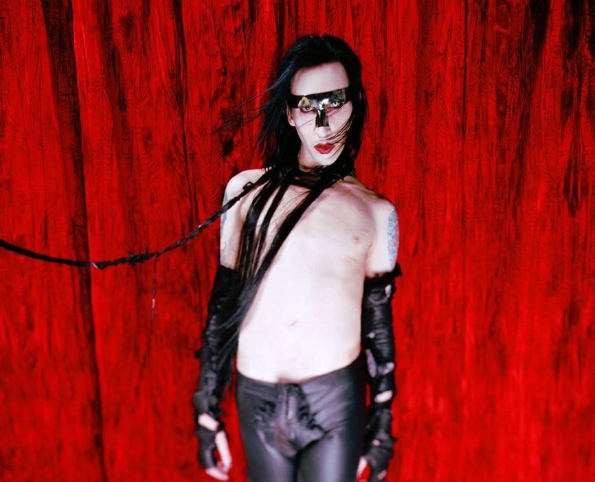 Marilyna Mansona obvinila bývalá přítelkyně ze zneužívání, zpěvák se brání