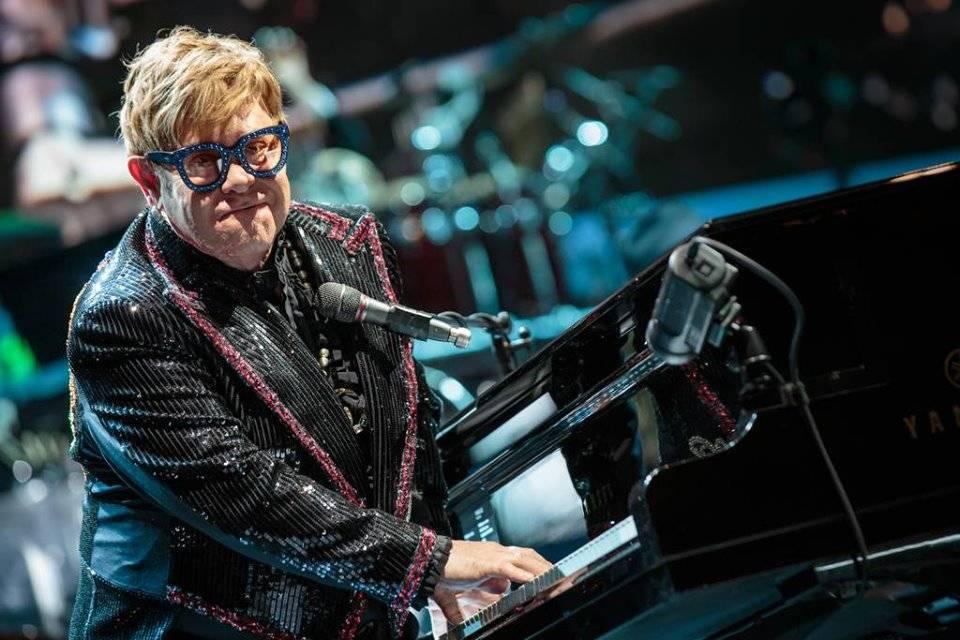 Elton John potvrdil spolupráci s Metallikou