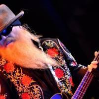Odešla rocková legenda a baskytarista ZZ Top Dusty Hill