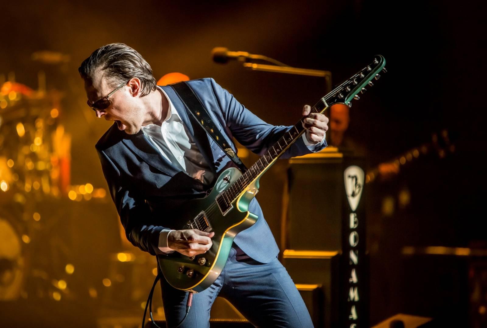 LIVE: Joe Bonamassa je kytarovým králem blues zaslouženě