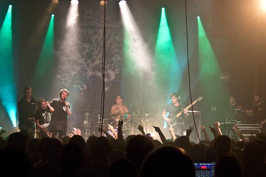 LIVE: Enter Shikari v Brně: pot, špína a jeden z nejlepších klubových zážitků