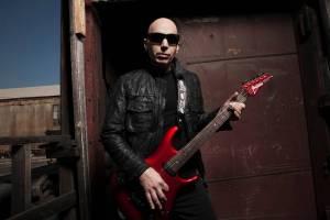 RECENZE: Joe Satriani se sóly na nové desce neplýtvá, rozděluje je spravedlivě