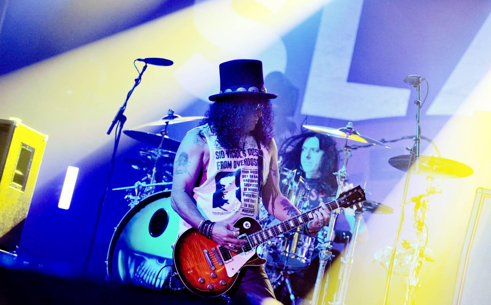 LIVE: Slash překoná naživo i Guns N' Roses