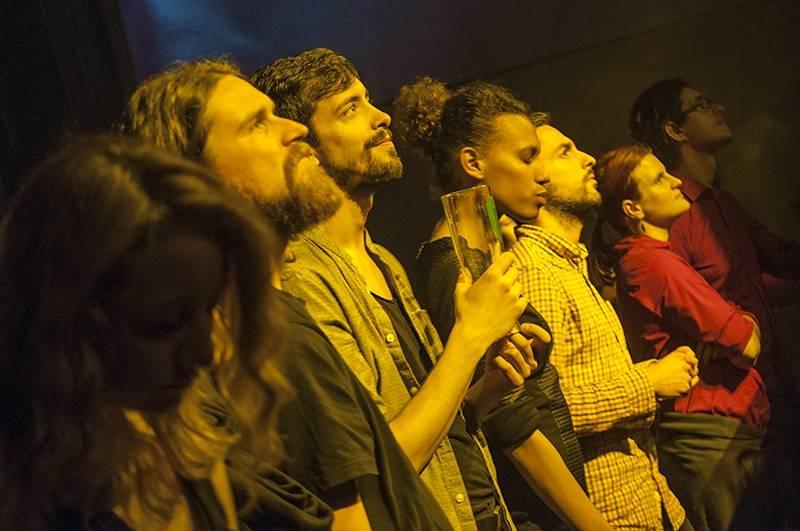 LIVE: Hidden Orchestra hrají detektivku, napětí ale příliš nebudují