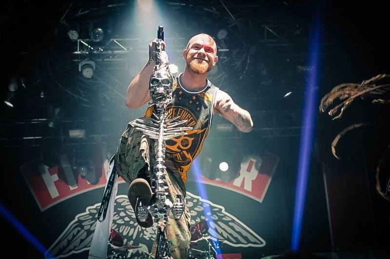 LIVE: To byl hukot! Papa Roach, Five Finger Death Punch i Devil You Know ví, jak oslavit víkend