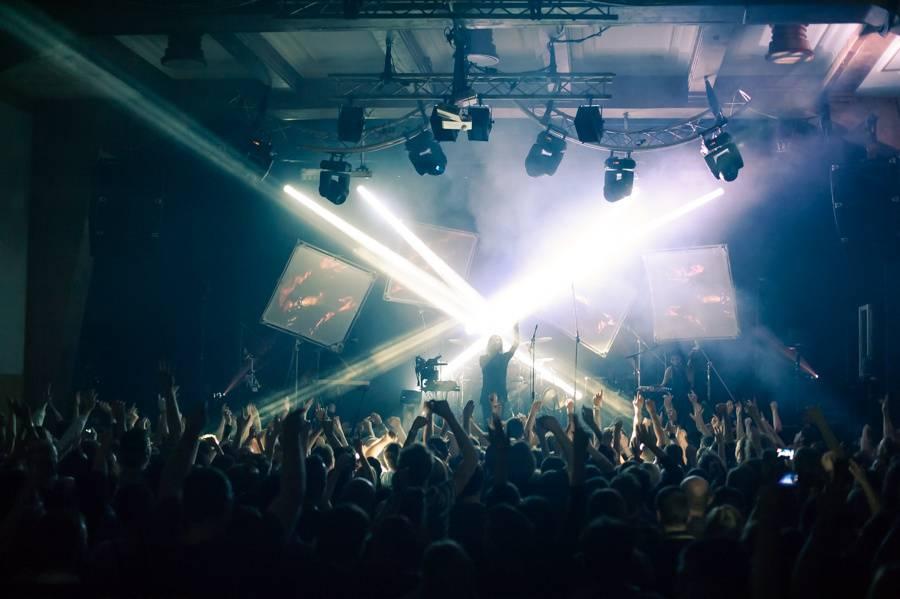 LIVE: Dekadentní návrat IAMX z blázince zpět na pódia