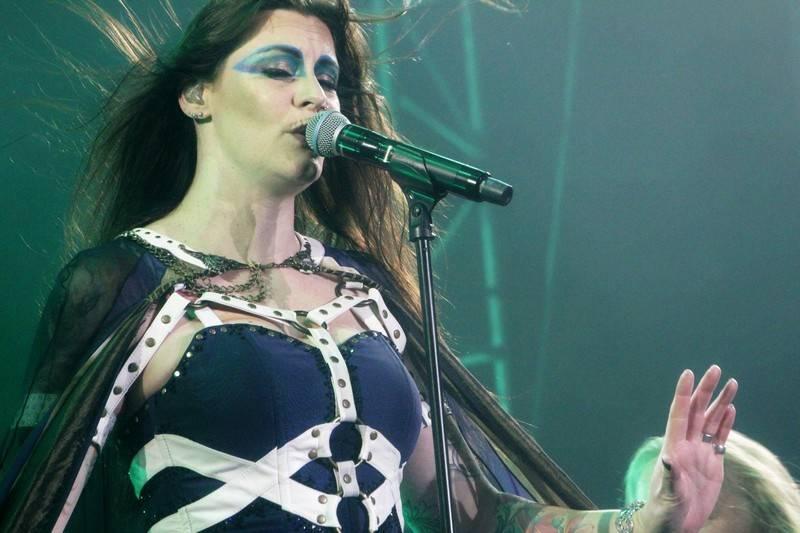 LIVE: Floor Jansen obstála. Nightwish jsou zase v plné síle