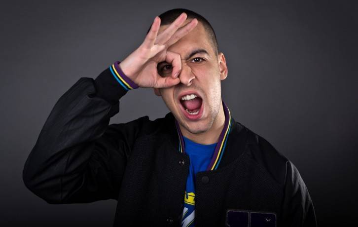 RECENZE: Strapo je rapový hrdina, co neuhýbá z cesty