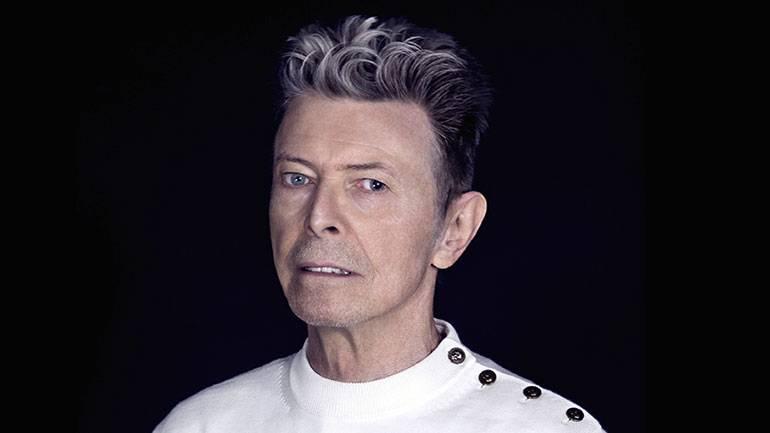 RECENZE: David Bowie udělal dva kroky vzad od popových posluchačů