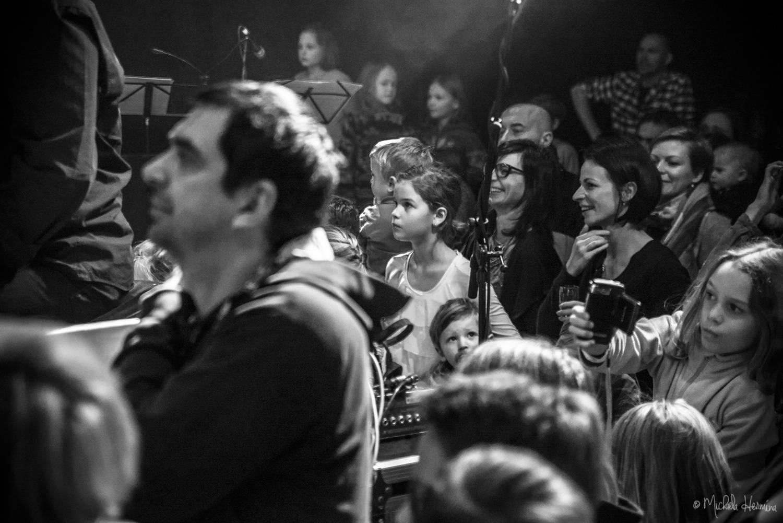 LIVE: Na křtu Planet Mateje Benka v Lucerně byl dítě úplně každý