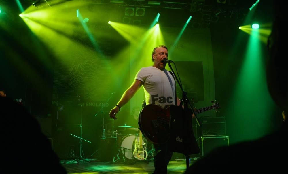 LIVE: Peter Hook & The Light cestovali časem a křísili Iana Curtise