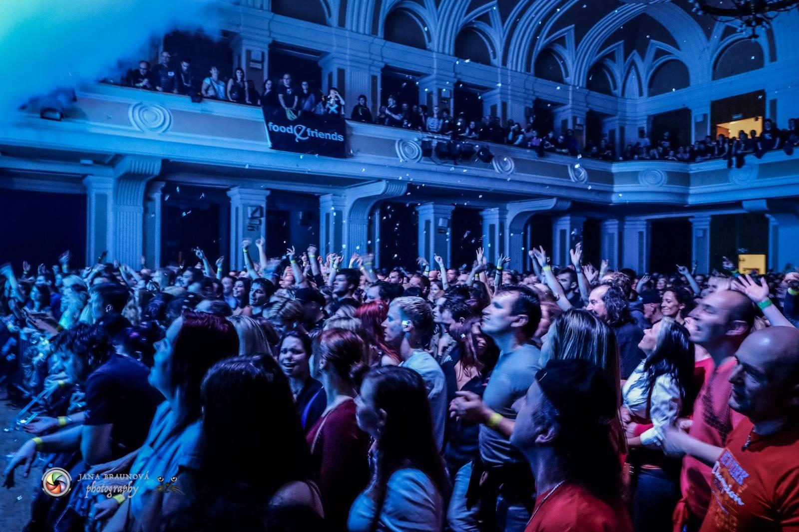 LIVE: Škwor v plzeňském Pekle: z pódia šlehaly plameny a fanoušci šíleli
