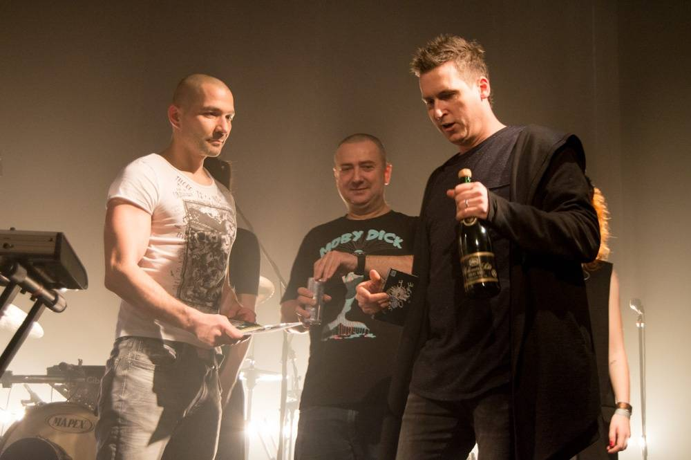 LIVE: Nèro Scartch na křtu svého debutu míchal intimitu s hutnými kytarami