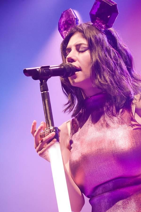 LIVE: Marina And The Diamonds je nejspíš utajenou dcerou řeckých bohů