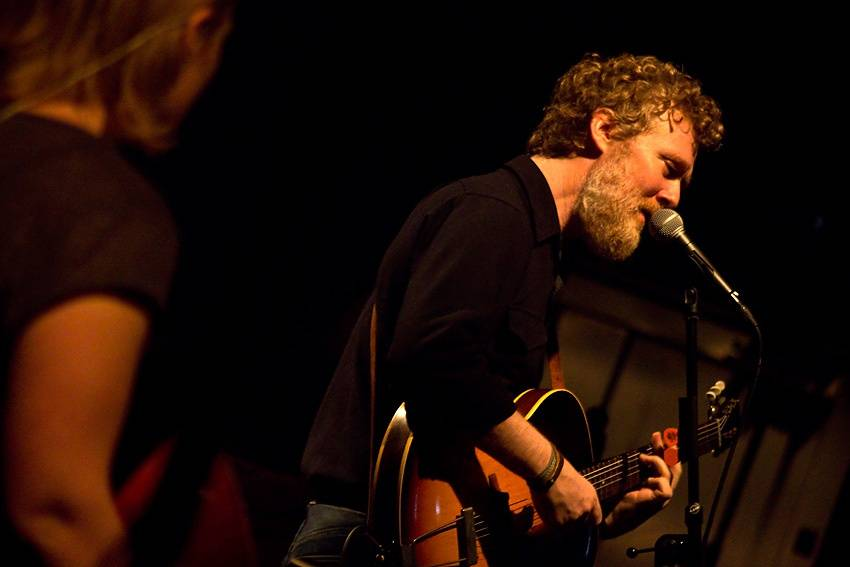 LIVE: Glen Hansard utáhne Sono i bez mikrofonu