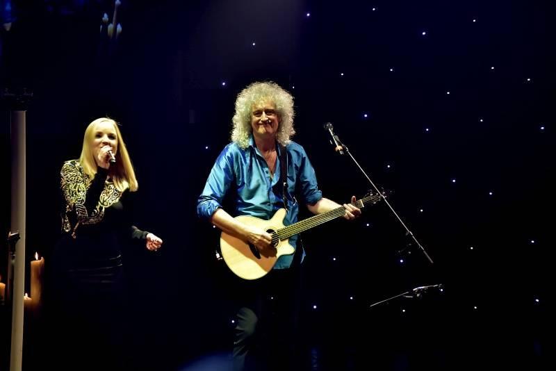 LIVE: Brian May a Kerry Ellis v Praze: Skromná show s bouřlivými ovacemi
