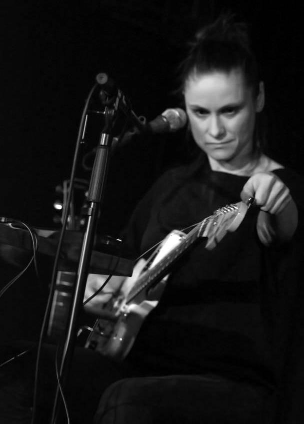 VIDEO: Lenka Dusilová očarovala vyprodaný opavský klub
