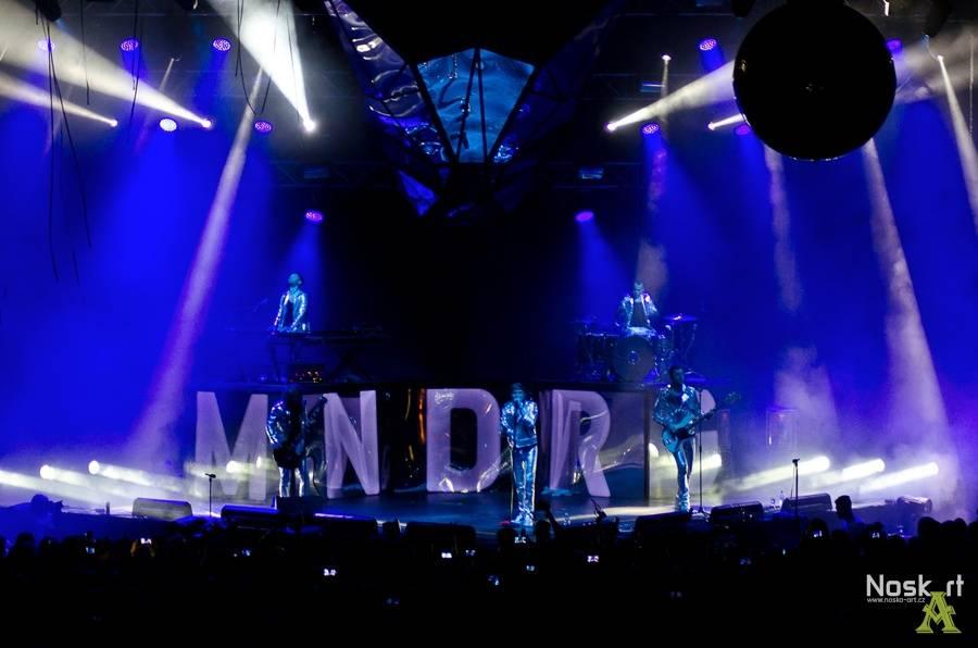 LIVE: Labyrint zrcadel: Mandrage přinesli v Praze očekávané, ale i experimenty
