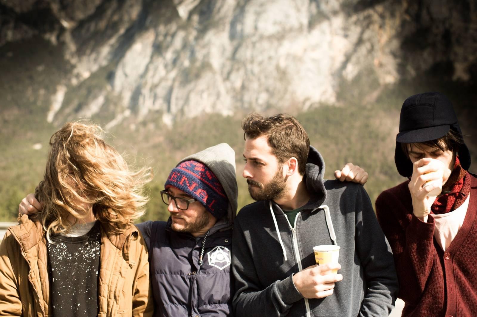 LIVE: V tundrách ukrytí Hey Elbow a na prosluněných kopcích jezdící Pablo Nouvelle