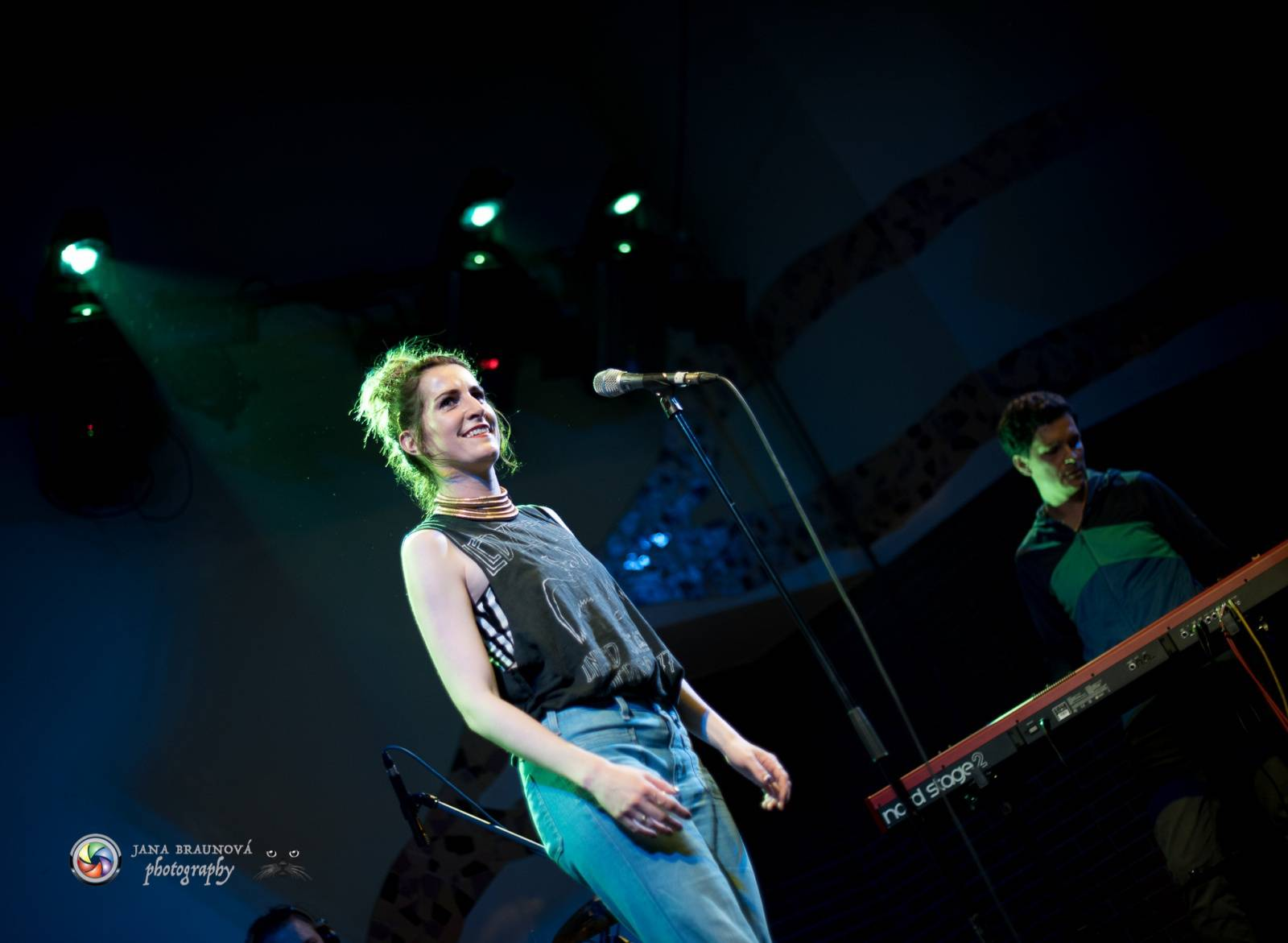 LIVE: KLARA. je na pódiu jako doma. V Plzni došlo na tanec, křest i Justina Biebera
