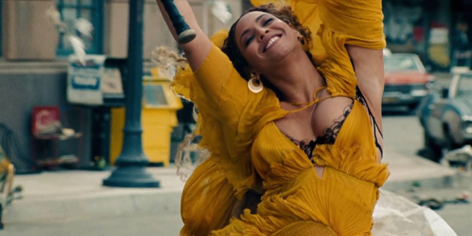 RECENZE: Beyoncé servíruje svou vysoce koncentrovanou domácí Lemonade