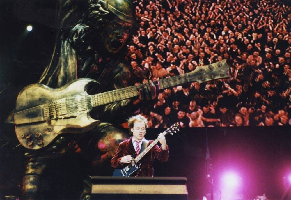 RETRO: AC/DC na Strahově před patnácti lety: Muzika čněla nad show, předkapelou byli Rammstein