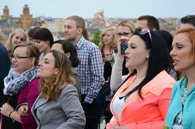 LIVE: O5 a Radeček se na střeše dotkli pražského nebe