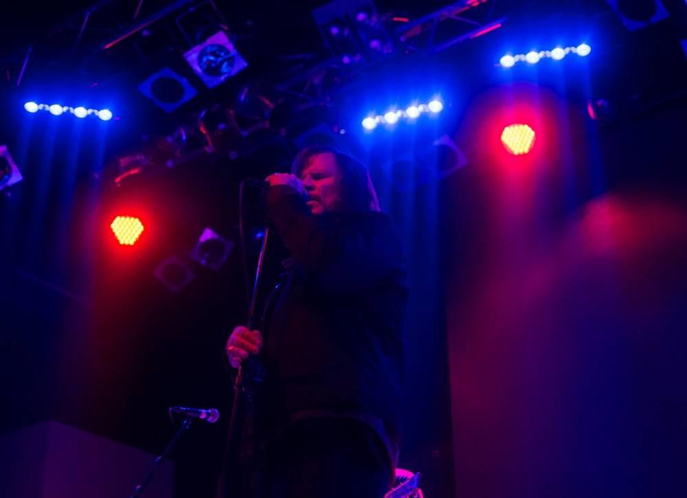 LIVE: Mark Lanegan ve své mistrovské podobě ohromil sedící Lucerna Music Bar