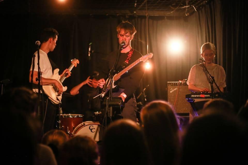 LIVE: Frankie Cosmos a Porches za(u)jati ve vlastním mikrosvětě