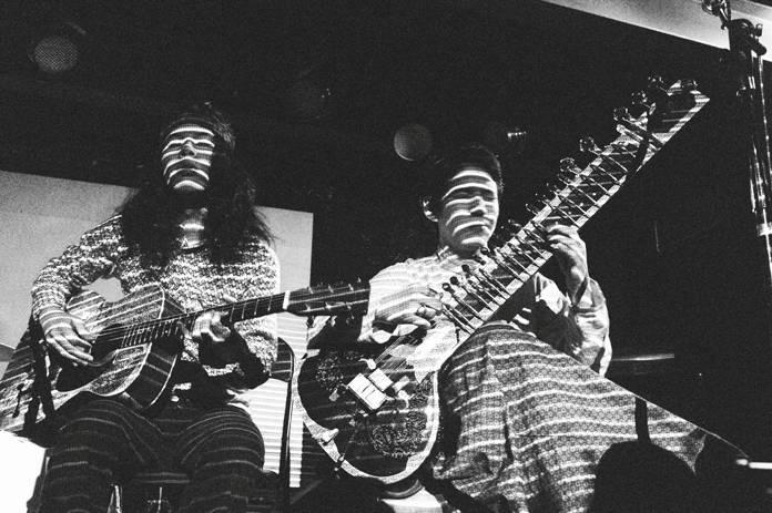 LIVE: Kikagaku Moyo roztančili narvanou Sedmičku za zvuků psychedelie