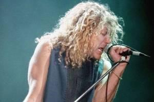 RETRO: Robert Plant poprvé v Praze v roce 1993: Brilantní výkon narušilo zranění fanouška