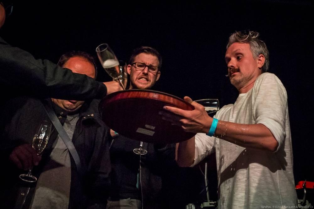 LIVE: Oceán křtil v Roxy mořskou vodou, Jitka Charvátová obstála i jako Ráchel