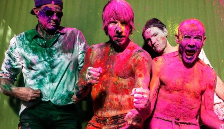 RECENZE: Red Hot Chili Peppers vypráví o svých temných potřebách