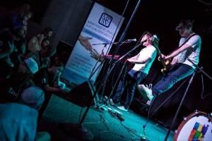 LIVE: Tata Bojs oslavili Den otců v Cargo Gallery! Došlo na luskání prstů i diskohrátky