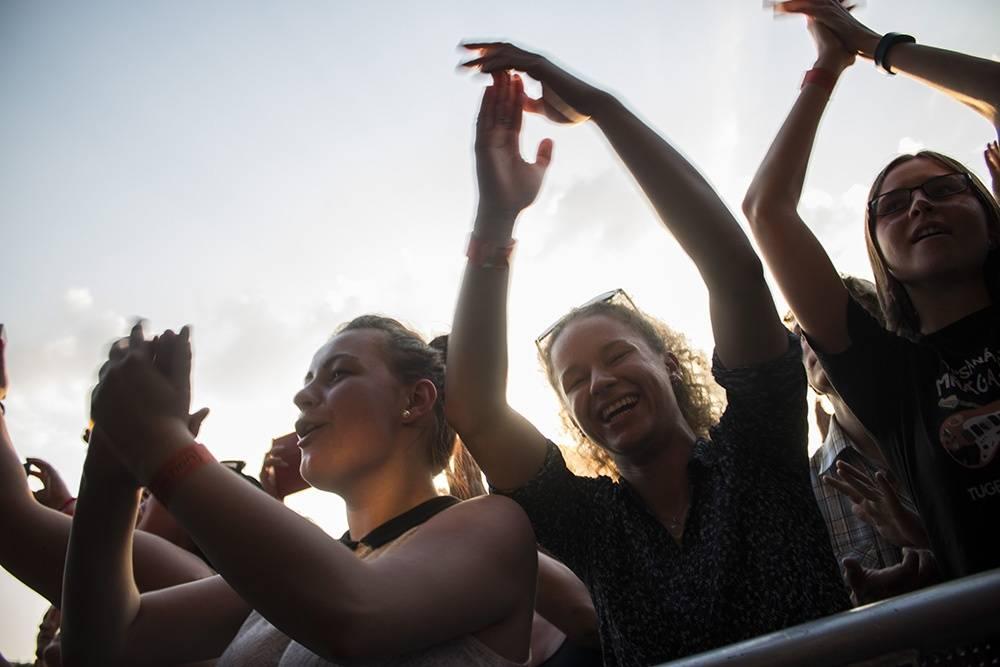LIVE: Lucie slavila festivalově i v Brně, fanoušci přečkali tropy