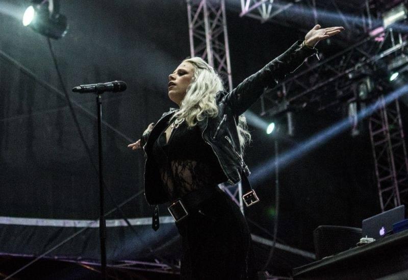 LIVE: První den Rock for People: Nářez v podobě Skillet a Royal Republic, překvapivě skvělí Nero