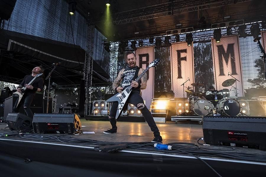 LIVE: Offspring na Rock for People moc nemluvili, pod pódiem to přesto žilo