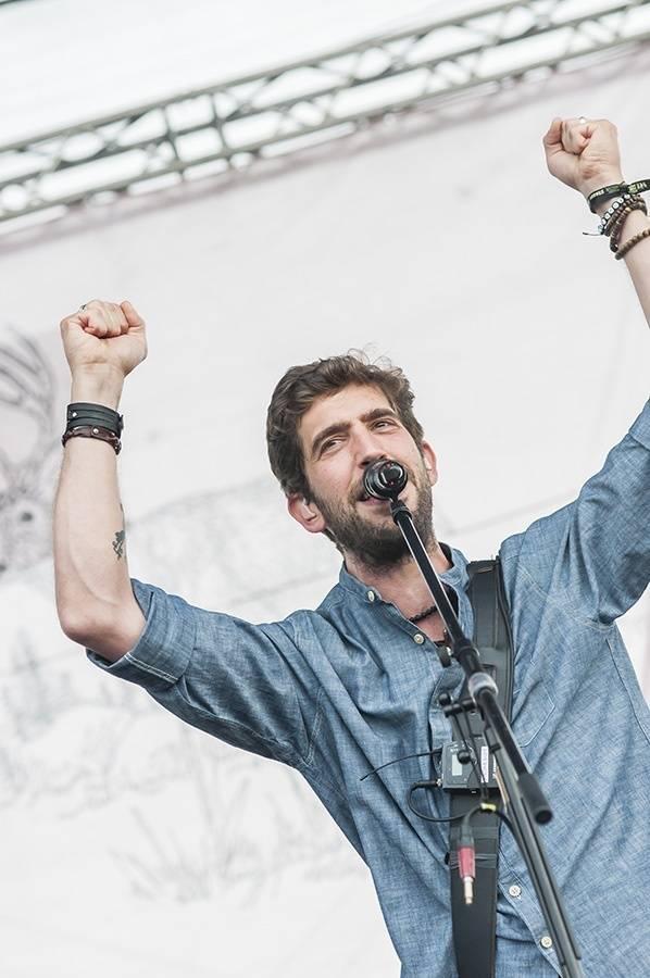 LIVE: Rock for People se na závěr vyznamenal politickými Massive Attack i energickými Enter Shikari