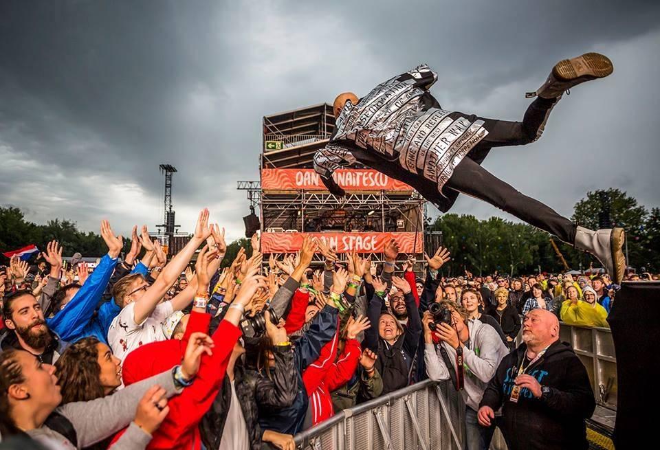 LIVE: Sziget, Glastonbury východní Evropy, je zahájen! Na úvod se předvedli Die Antwoord i The Chemical Brothers