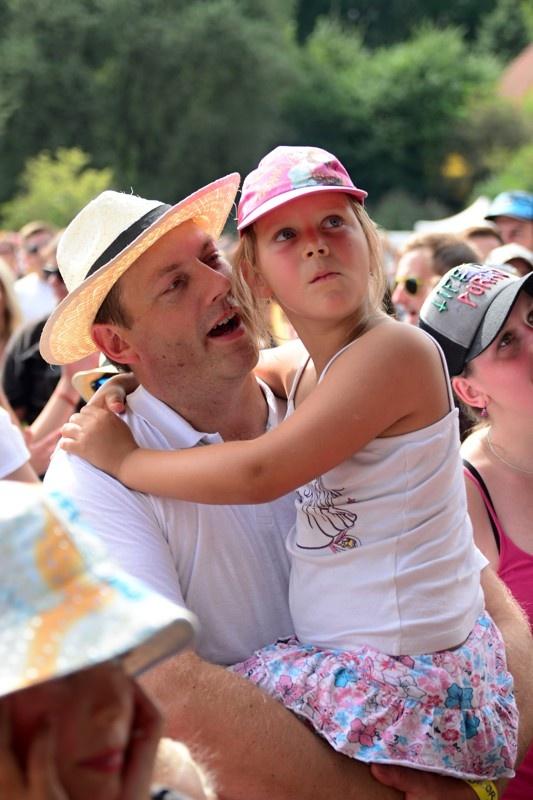 LIVE: David Koller si podmanil Okoř, hity Lucie odzpíval lépe než nedávno na obřím turné s kapelou