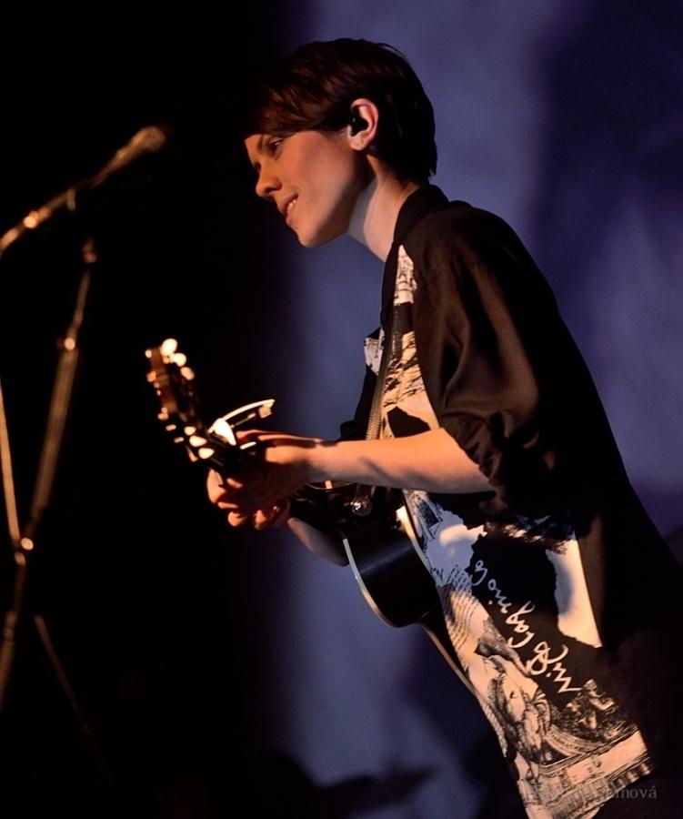 RECENZE: Divošky Tegan And Sara se zklidnily, na Love You To Death chrlí popové hity