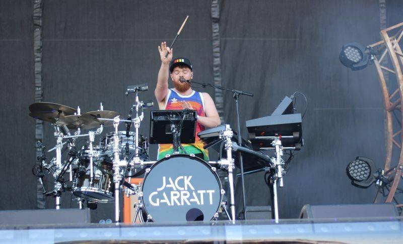 LIVE: Jack Garratt králem rakouského Frequency, bavili i Bastille, Miike Snow či Oh Wonder, Deichkind souložili s mozkem